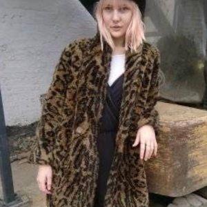 Vintage leopard coat 🐆✨🐆✨🐆